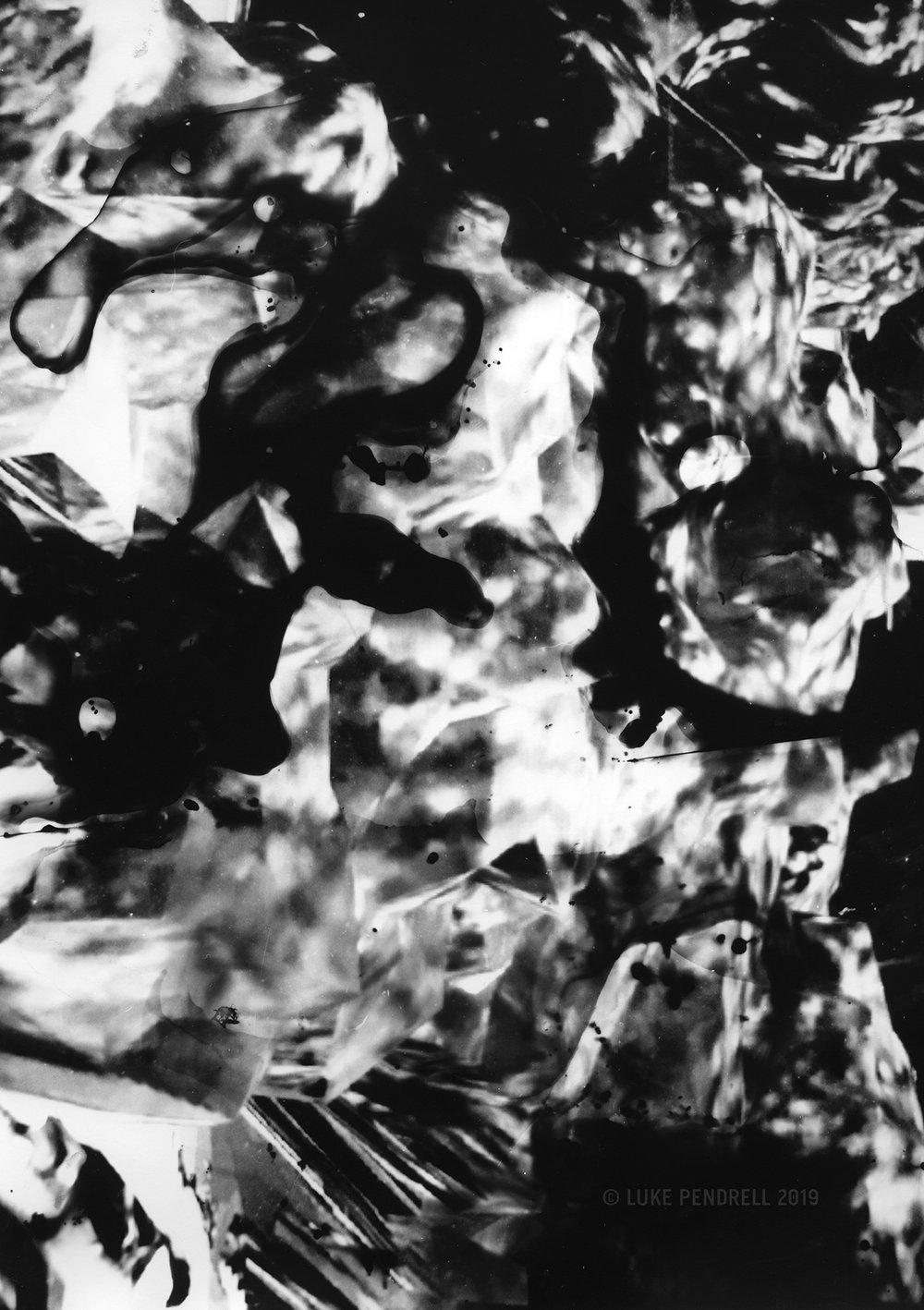 Remote Vision Experiments: A Photo-Roman