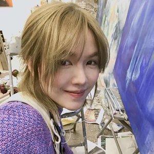Binbin Hong