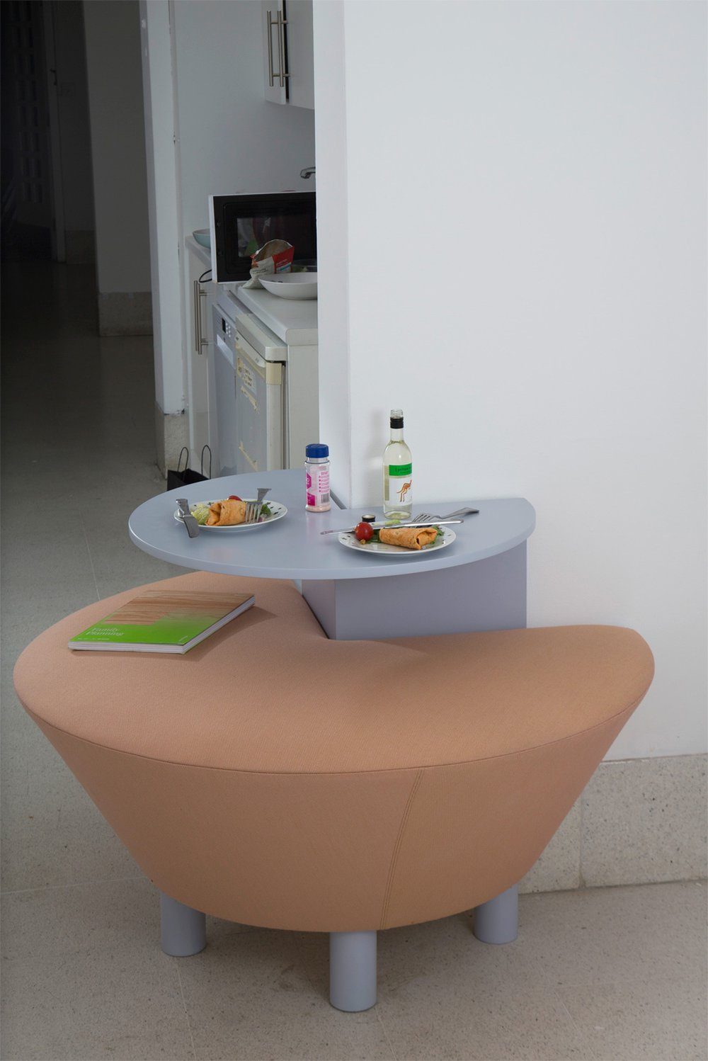 3/4 Table
