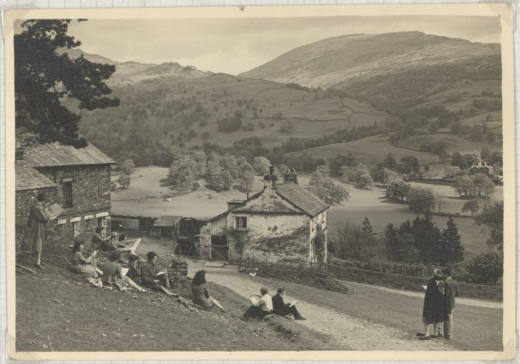 RCA students in a drawing class at Loughrigg