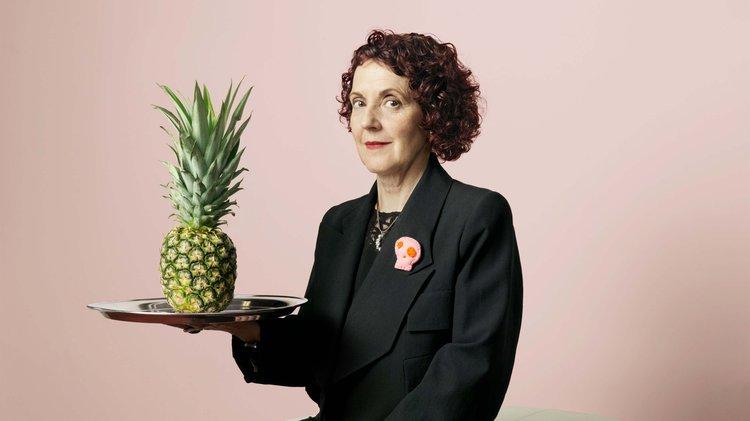 Dr Carmen Hijosa with pineapple