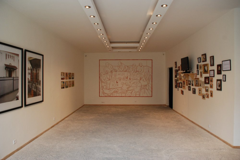 Faites comme chez vous, installation view, Raw Material Company