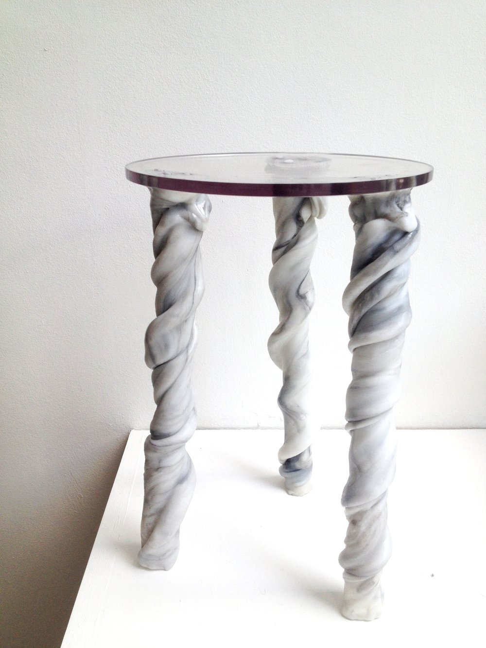 Hollow twisted stool