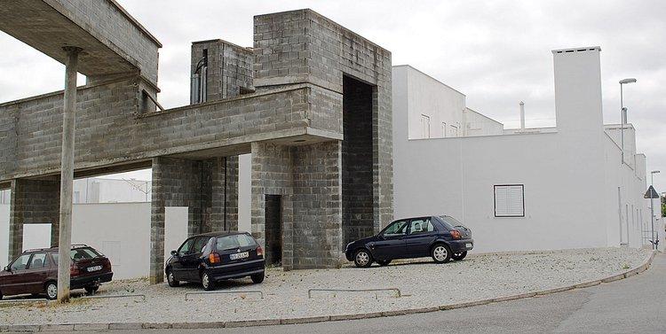 Aqueduct system at Quinta da Malagueira by Álvaro Siza. Évora, Portugal, 1973.