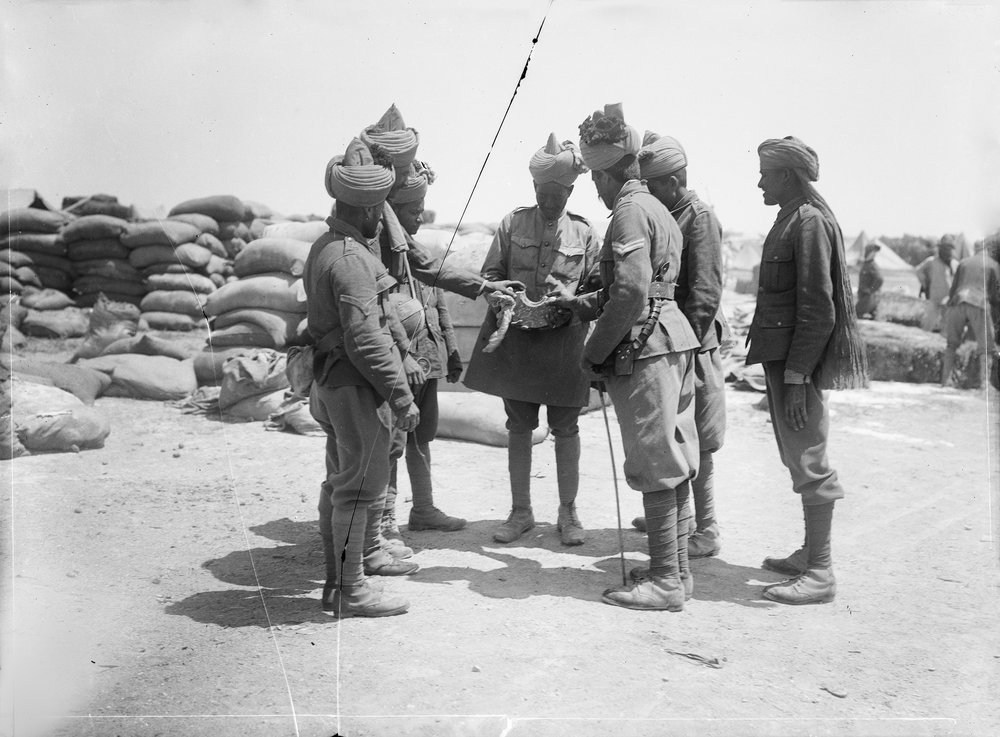 'The only properly dressed troops in India': an exploration of design intention and subaltern agency in First World War sepoy service uniforms
