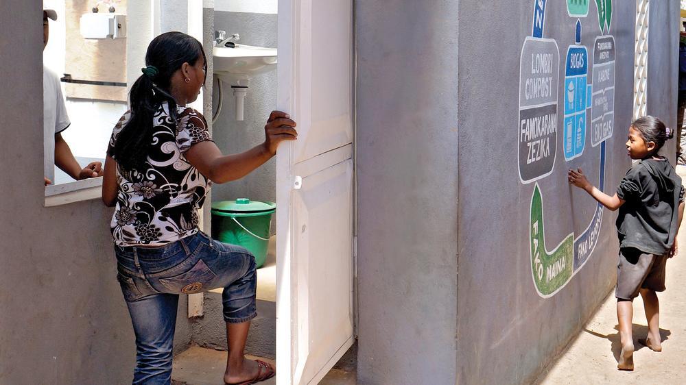 Loowatt Waterless Toilet