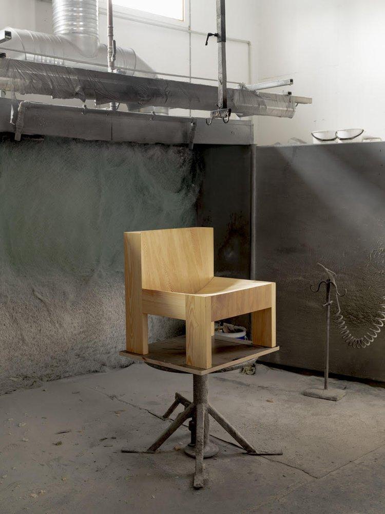 Vaarnii - Lounge Chair - Max Lamb