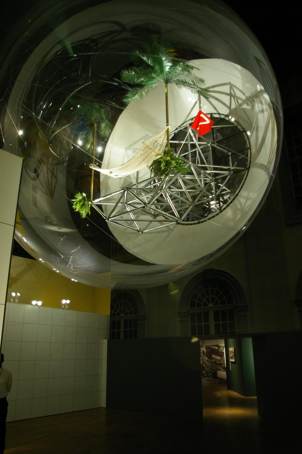 Oasis no. 7 designed by Haus-Rucker-Co for Documenta 1972, inflatable structure displayed at Cold War Modern, V&A (2008)