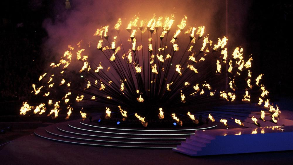 Olympic Cauldron 2012 by RCA Alumnus Thomas Heatherwick