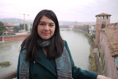 Hollie Chung, Verona