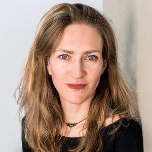 Dr Sarah Teasley