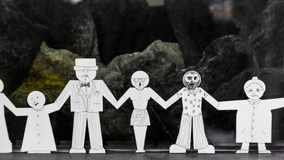 Paperchain Dolls