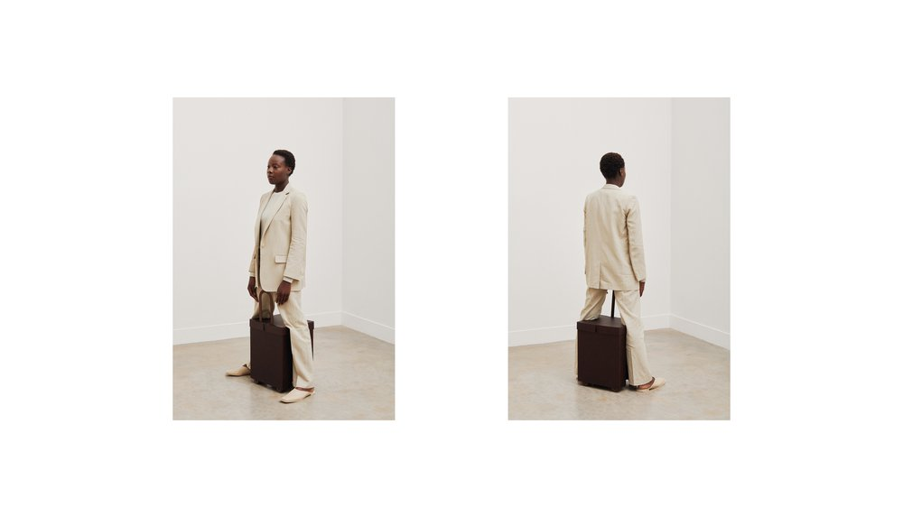 Position 007: Chocolate Brown Suitcase