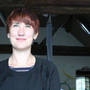 Dr Sara Robertson