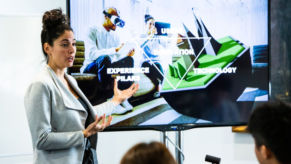 Daniela Paredes Fuentes, Co-Founder & Director at Gravity Sketch speaking on an RCA short course