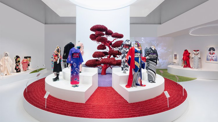 installation shot of the Kimono exhibition at the V&A
