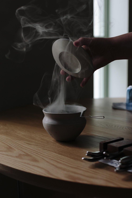 Mussel Shell Lidded Pot with Smoking Reindeer Moss