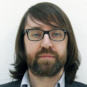 Dr Chris McGinley