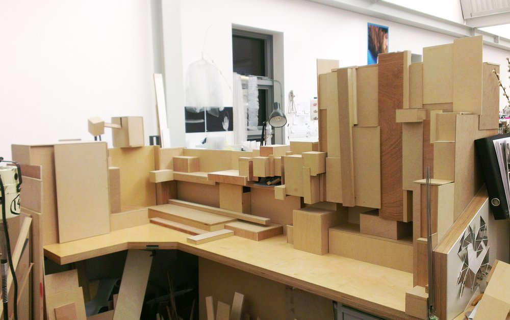WIP: Compartmentalising physical/visual chaos