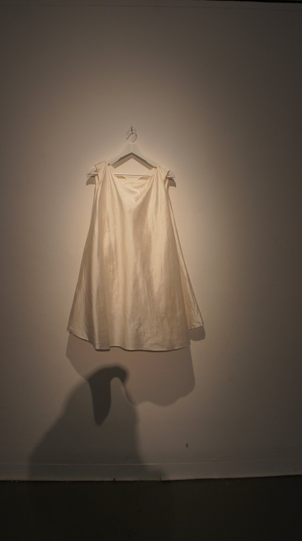 Dress with the Sound of Its Own Making