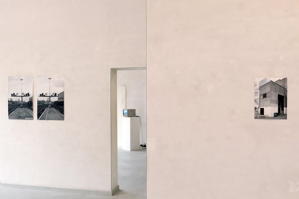 'The Hour between Dog and Wolf' @ Galerie Ruimte Morguen, Antwerp. (Installation view)