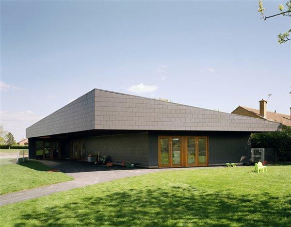 Canon Popham Foundation Unit, Doncaster, DSDHA (2008)
