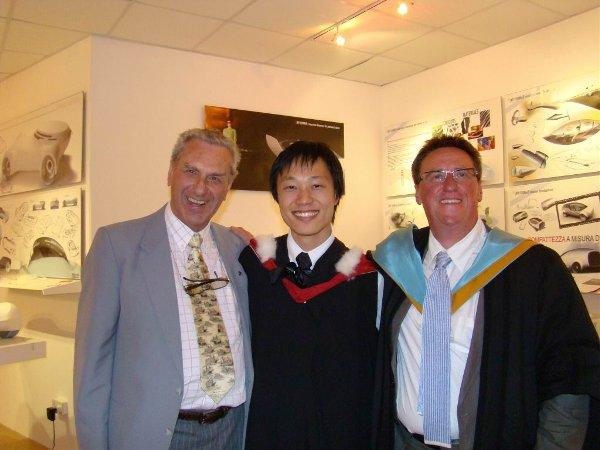 Clive Birch, graduate Dong Kyu and Professor Dale Harrow at the 2007 Summer Show