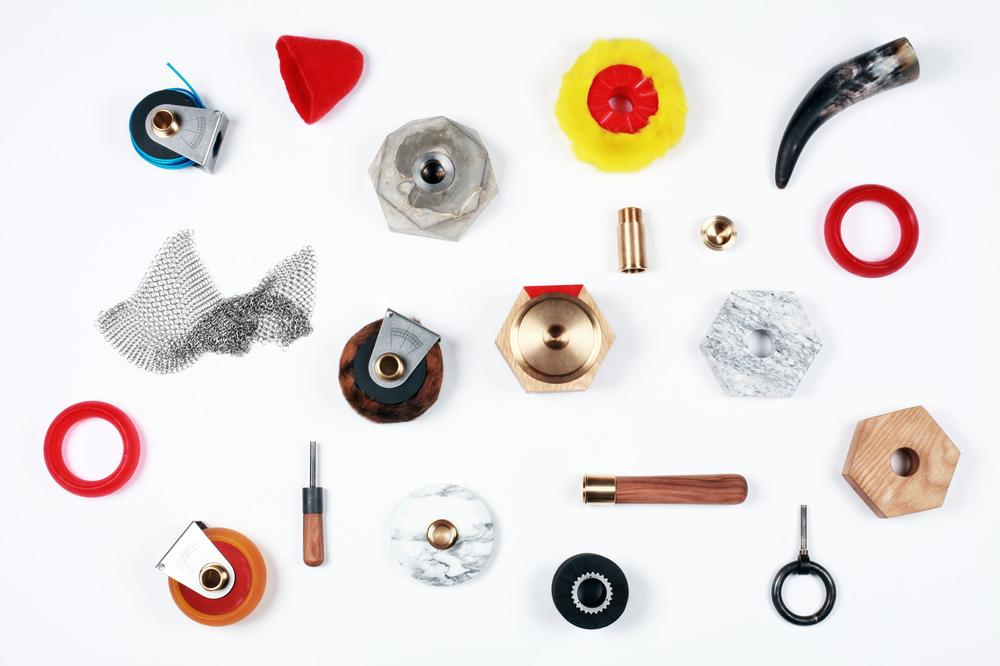 Nuts on Circles - Set of Objects