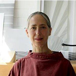 Shelley James