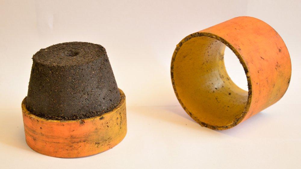Mine De Rien,Compression moulding