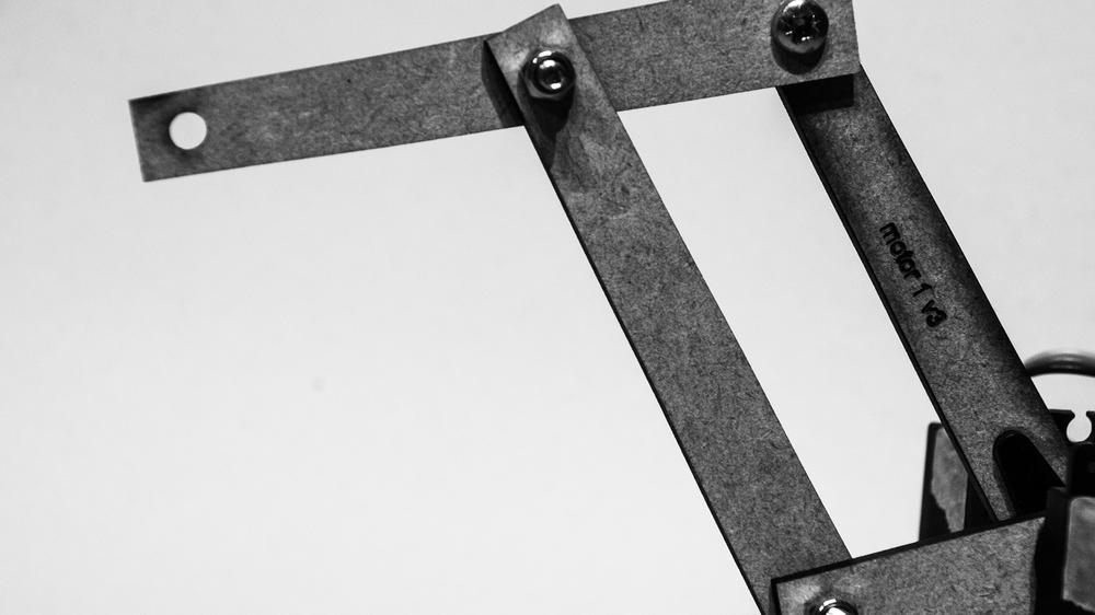 4 Bar Linkage Prototype
