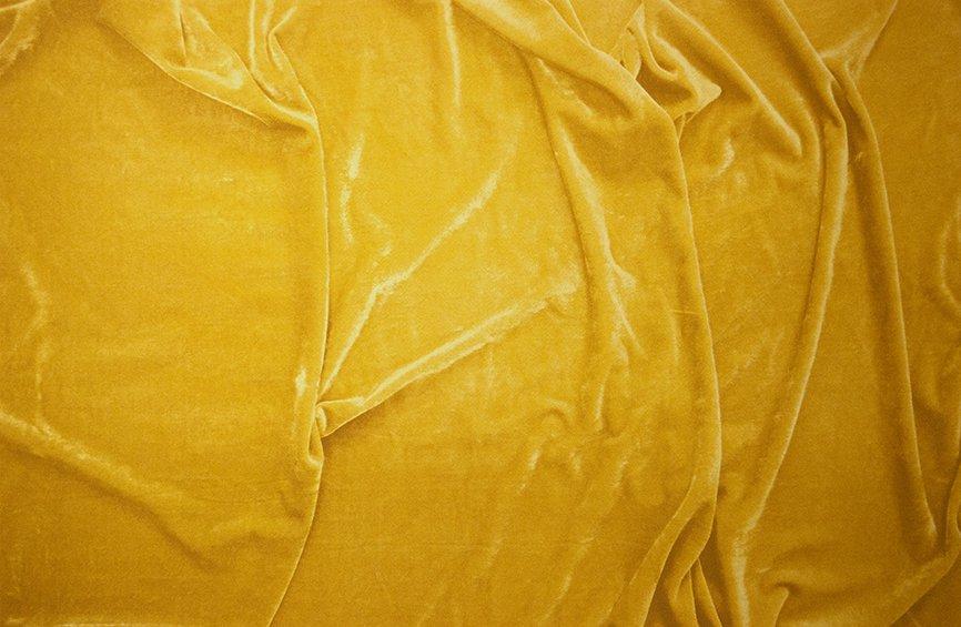 Cracked velvet