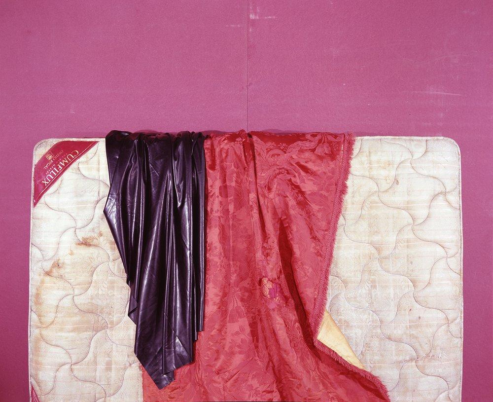 #rubber #silk #damask #curtain #kingsize #mattress (Velvia 100)